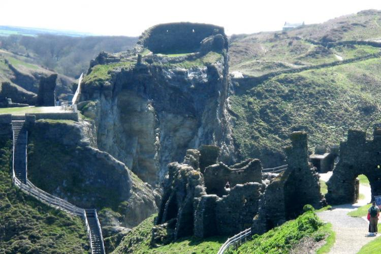 Days out in Cornwall: Walk to the castle in Tintagel